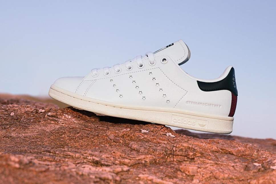 quality design 3eb25 c24c8 Are Adidas' Stan Smith Tennis Shoes Vegan? - Vegan Men Shoes